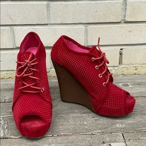 Women's JustFab red tie up wedges